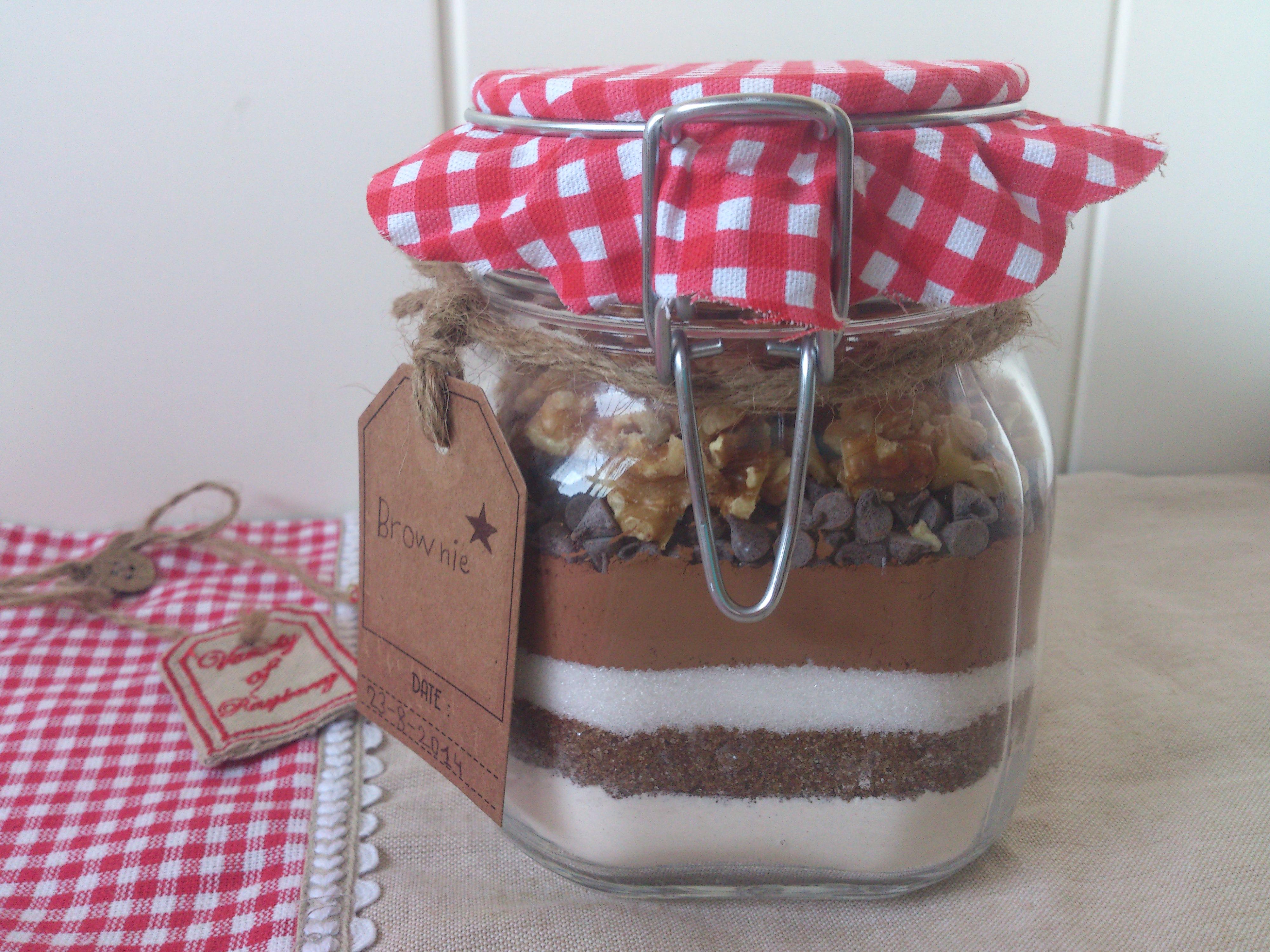 C mo hacer un tarro de brownie preparado para regalar for Cursos de cocina para regalar